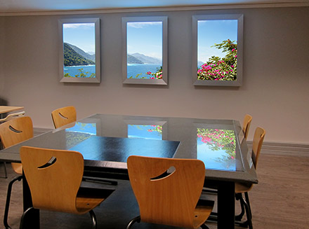 Poste Meeting Room